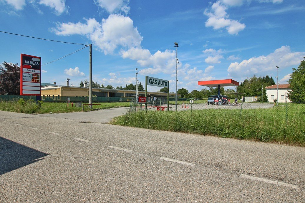 Il distributore benzina vicino a me a Gallarate 34