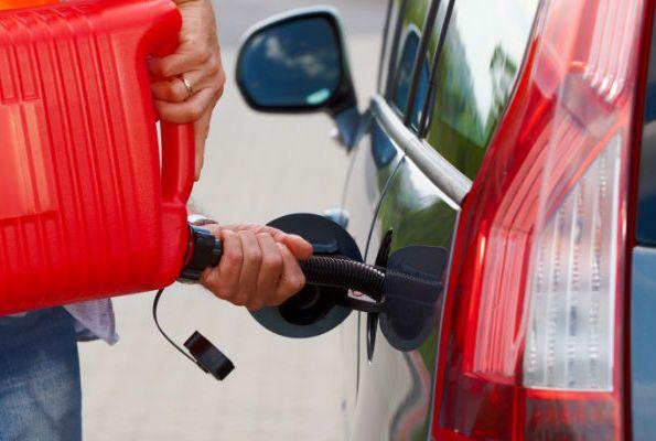 Quanto gasolio posso trasportare in auto