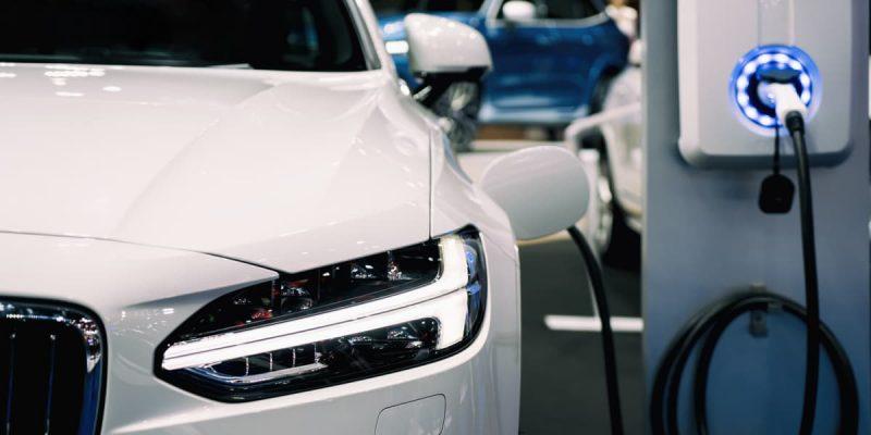 Quanto costa ricaricare un'auto elettrica?